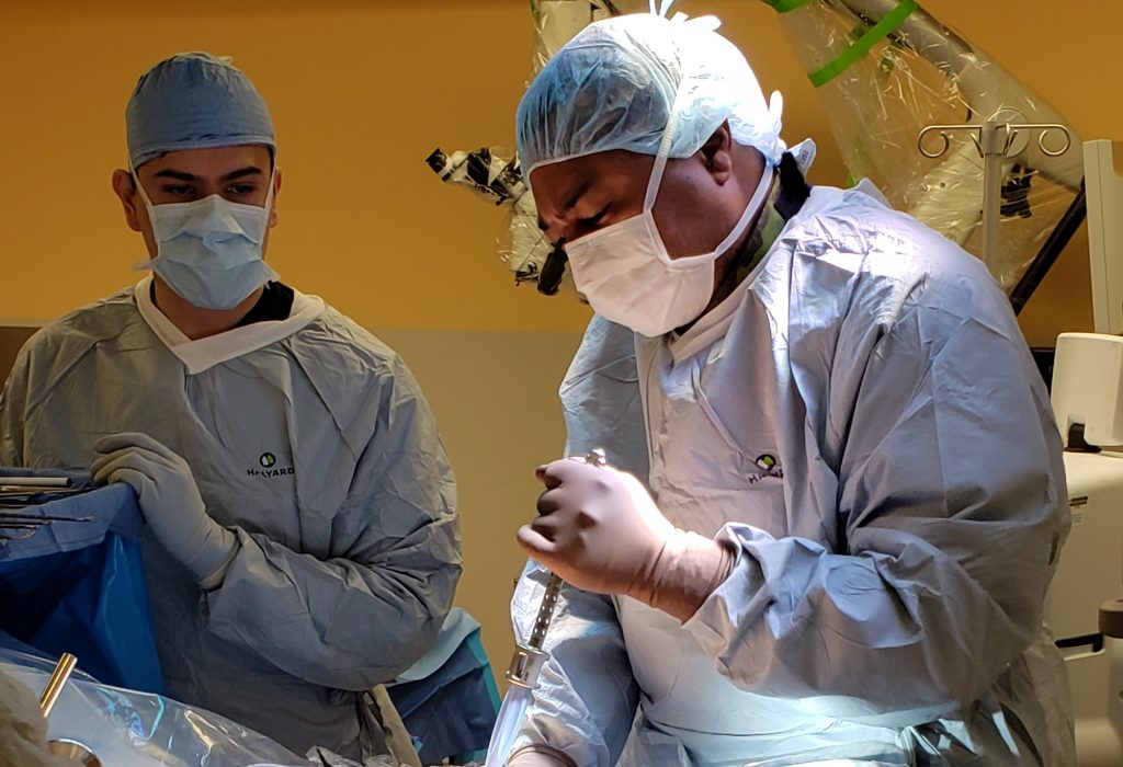 Doctor performs first awake spine fusion surgery at Vail