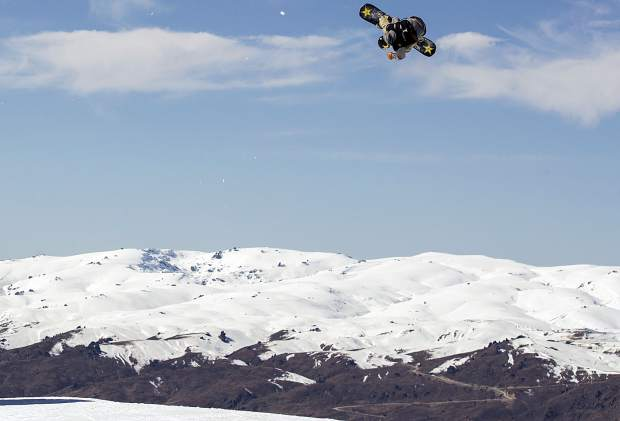 WATCH: Chris Corning, Red Gerard kick off season with Team USA in New Zealand