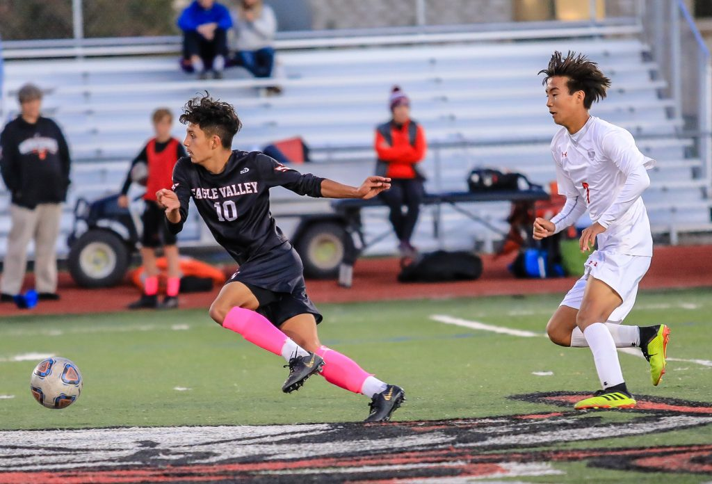 Eagle Valley soccer sweeps Sailors, 4-1